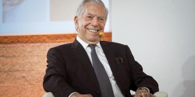 El nobel de literatura Mario Vargas Llosa .  Foto: Luca Piergiovanni / EFE