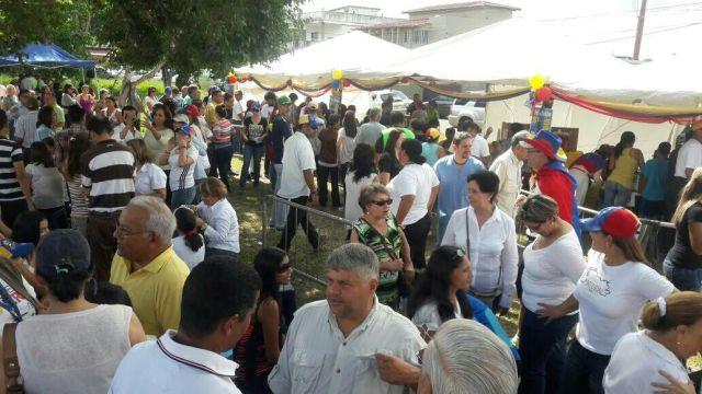 Foto: En Monagas se volcaron a las calles para participar en la consulta popular / Maria Hernández