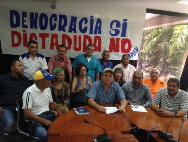 Frente de Trabajadores en Defensa de la Constitución se declara en rebeldía contra el fraude constituyente