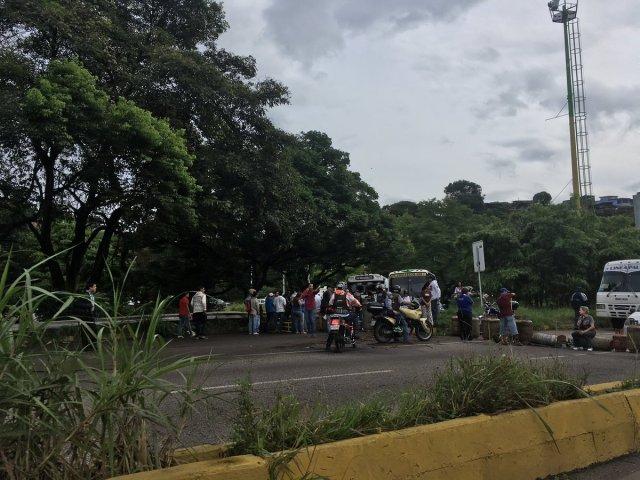 Protestan en Táriba por falta de gas / foto: @andreyvizar