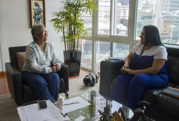 Foto: Tibisay Lucena y Katherine Haringhton se reunieron para coordinar acciones del  30 de Julio