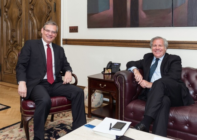 Presidente de la Comisión Permanente, Jose Luiz Machado, junto al secretario general de la OEA, Luis Almagro // Foto @Almagro_OEA2015