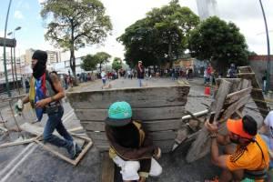 Al menos 10 civiles recibieron impactos de proyectiles durante protestas en Chacao