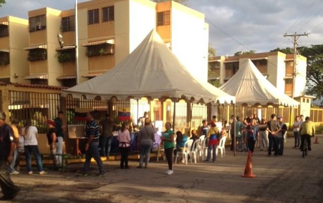 Vecinos en Cagua activados con la consulta popular // Foto @Guti99