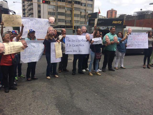 ABP realizó Pancartazo por la Libertad y la Democracia de cara a la Consulta Popular del 16J