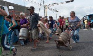Protestan en Monagas, Aragua y Táchira por falta de alimentos y gas