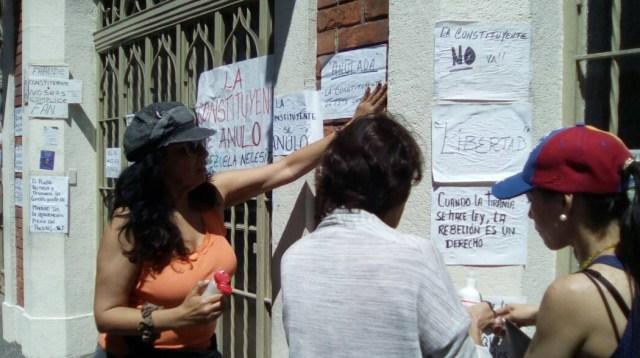 Pancartazo en el colegio La Consolación, en Las Palmas, Caracas // Foto @unidadvenezuela