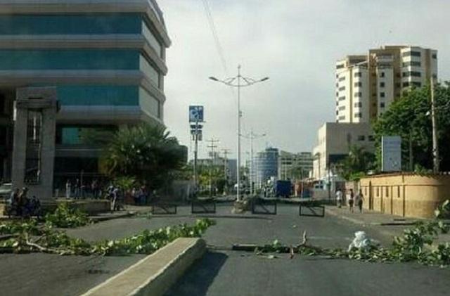 Avenida principal de Lechería, estado Anzoátegui // Foto  @RCTVenlinea