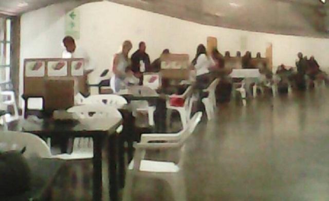 Instalación de mesas electorales en El Poliedro de Caracas // Foto @LaPiraya