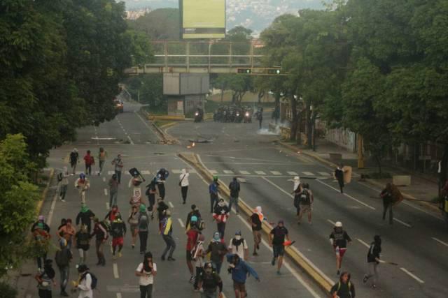 Represión brutal con detenidos en Chacao mientras Maduro transmitía cadena grabada. Foto: Will Jiménez / LaPatilla.com