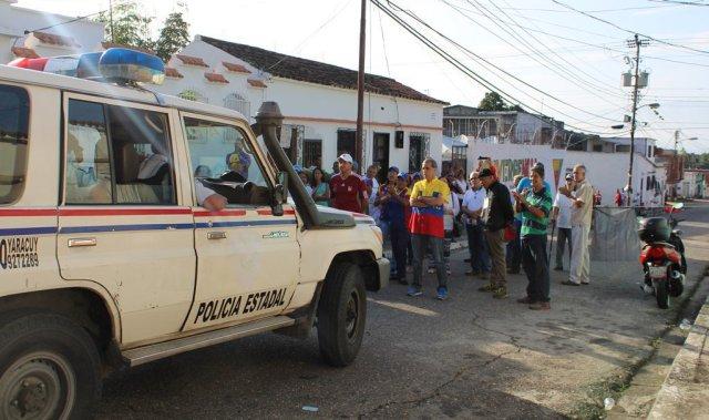 Foto: Policía intenta sabotear la consulta popular en Yaracuy  / Biagio Pilieri