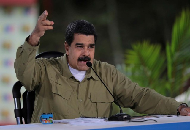 """Venezuela's President Nicolas Maduro speaks during his weekly broadcast """"Los Domingos con Maduro"""" (The Sundays with Maduro) in Caracas, Venezuela August 6, 2017. Miraflores Palace/Handout via REUTERS ATTENTION EDITORS - THIS PICTURE WAS PROVIDED BY A THIRD PARTY."""