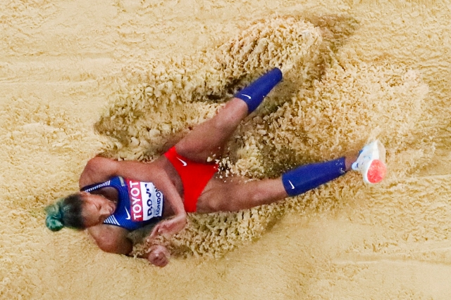 Athletics - World Athletics Championships – women's triple jump final – London Stadium, London, Britain – August 7, 2017 – Yulimar Rojas of Venezuela competes. REUTERS/Fabrizio Bensch