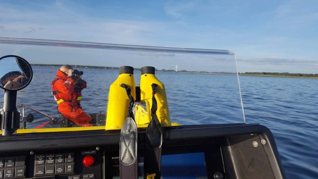 A Swedish Sea Rescue Society team searches for missing Swedish journalist Kim Wall by the coast in Oresund, Sweden August 15, 2017. TT News Agency/Fredrik Winbladh/Swedish Sea Rescue Society/Handout via REUTERS ATTENTION EDITORS - THIS IMAGE WAS PROVIDED BY A THIRD PARTY.SWEDEN OUT. NO COMMERCIAL OR EDITORIAL SALES IN SWEDEN. NO RESALES. NO ARCHIVES