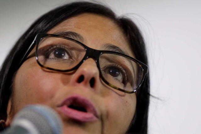 Delcy Rodriguez, president of the National Constituent Assembly, talks to the media after a meeting of the Truth Commission in Caracas, Venezuela August 16, 2017. REUTERS/Ueslei Marcelino