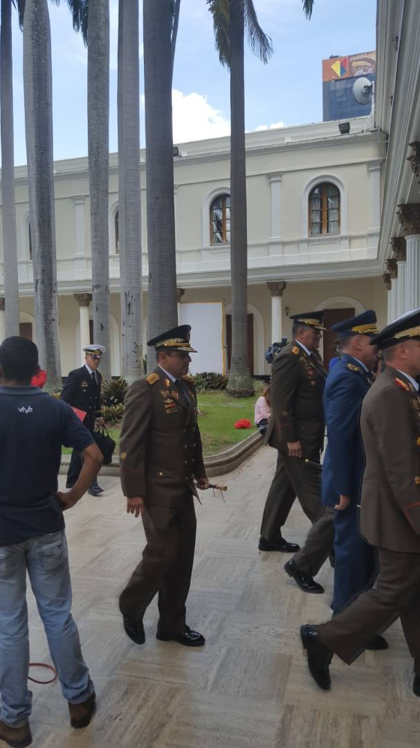 Foto: Alto mando milita y Padrino Lopez en la ANC / Cortesía
