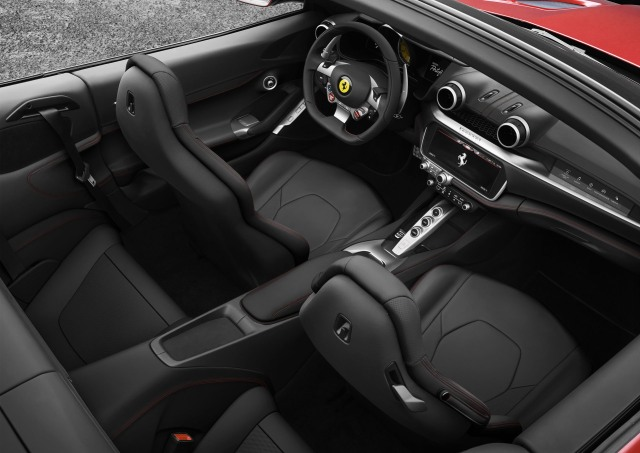 Ferrari-Portofino (3)