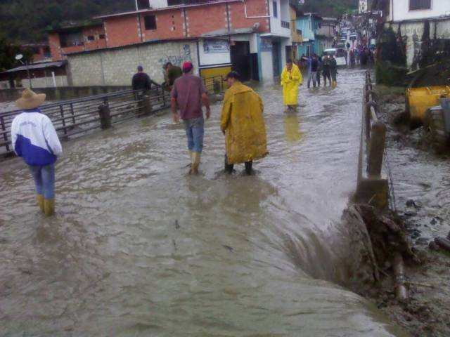 Foto: Fuertes lluvias causan inundaciones en Canaguá, estado Mérida  #7Ago