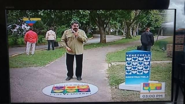 Nicolas Maduro, en su programa dominical, rodeado de guardaespaldas / captura
