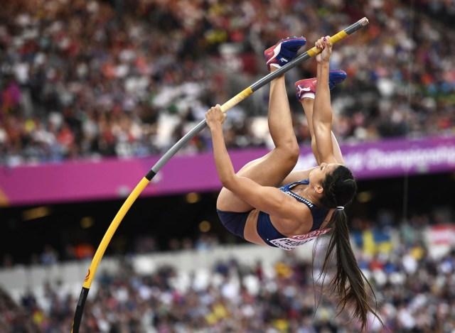 Athletics - World Athletics Championships – women's pole vault final – London Stadium, London, Britain – August 6, 2017 –  Robeilys Peinado of Venezuela competes. REUTERS/Dylan Martinez