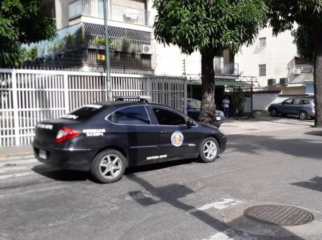 Presencia del Sebin en los alrededores de Centro Plaza tras rueda de prensa de VP / Créditos: Luis Gonzalo Pérez