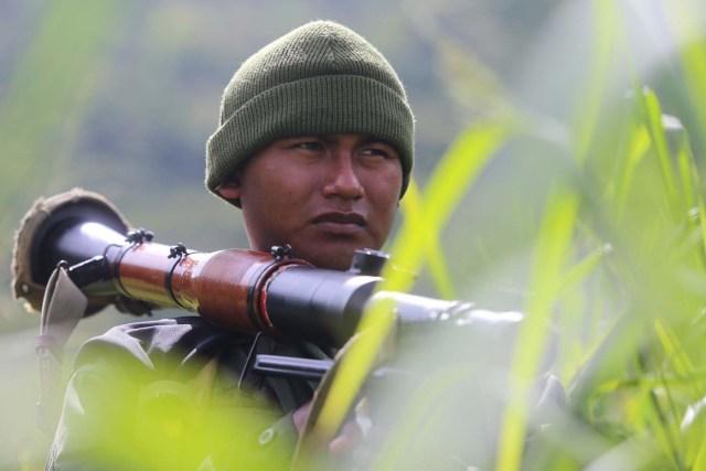 Un soldado participa en ejercicios militares (Foto archivo AVN)