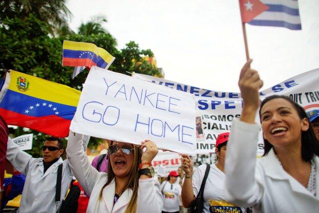 Unas 300 personas marcharon en La Habana, Cuba, a favor del gobierno de Maduro (Foto Reuters)