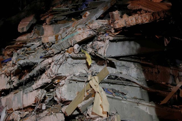 Debris are pictured at the site of a collapsed building after an earthquake in Mexico City, Mexico September 20, 2017. REUTERS/Henry Romero