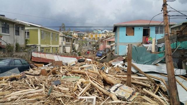 Vista del daño causado por el huracán María en Roseau, Dominica, el 20 de septiembre de 2017. AFP PHOTO / STR