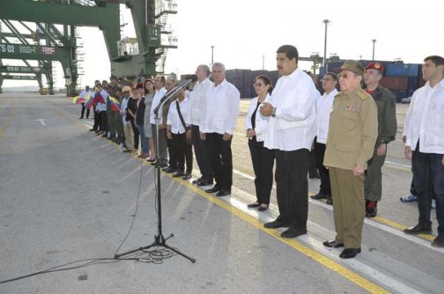 Maduro habla durante la entrega del donativo a Cuba / Foto: Estudios Revolución