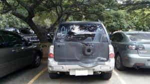 Delincuencia hace caída y mesa limpia en el estacionamiento del Parque del Este (Fotos)
