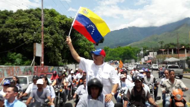 El candidato a la gobernación del estado Aragua, Ismael García