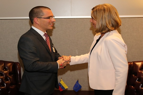 Canciller Arreaza sostuvo reunión con Alta Representante de la Unión Europea Federica Mogherini