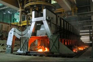 Con solo 74 celdas operativas trabajadores de Venalum tratan de levantar la producción