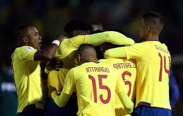 Jugadores de la selección ecuatoriana durante el partido contra Argentina. REUTERS/Henry Romero