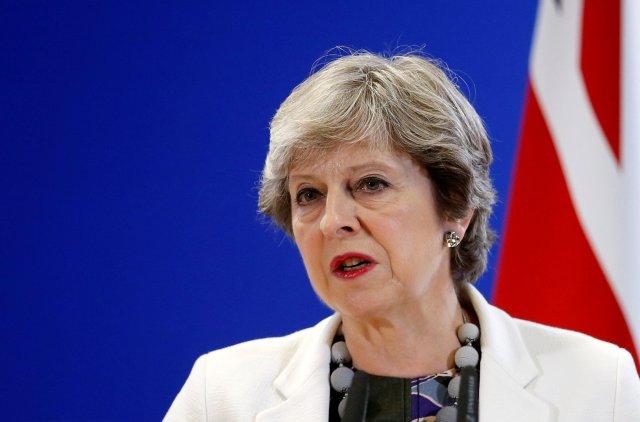 La primera ministra de Gran Bretaña, Theresa May, pronuncia una conferencia de prensa durante una cumbre de líderes de la Unión Europea en Bruselas, Bélgica, el 20 de octubre de 2017. REUTERS / Francois Lenoir