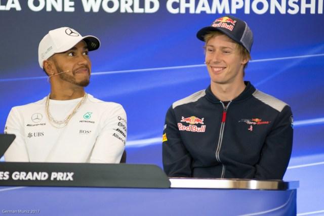 """El corrido y el """"novato"""". Hamilton, tricampeón, y Brendon Hartley debutante"""