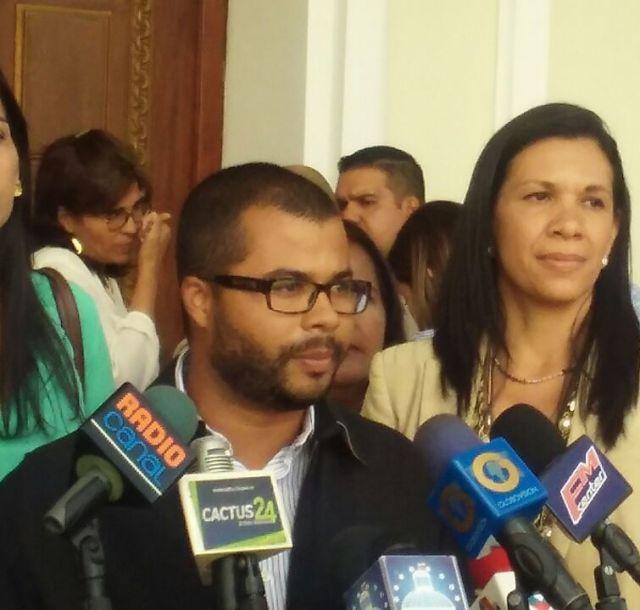Foto: El concejal del municipio Mariño del estado Aragua, Emer Álvarez / Nota de prensa