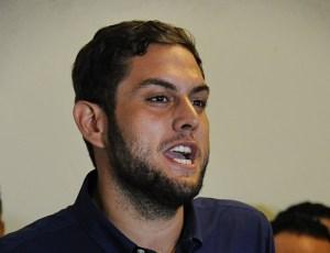 El Sebin se llevó detenidos al diputado Juan Requesens y a su hermana Rafaela, presidente de la FCU