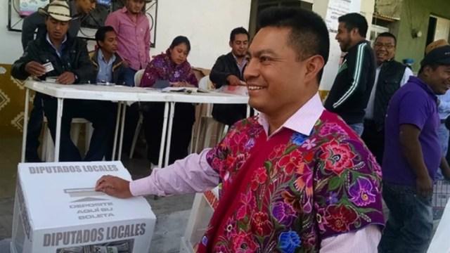 Un alcalde mexicano se subió a un escenario y dio un discurso completamente borracho (Foto: Infobae)
