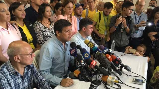 Carlos Ocariz en rueda de prensa // Foto La Patilla.com