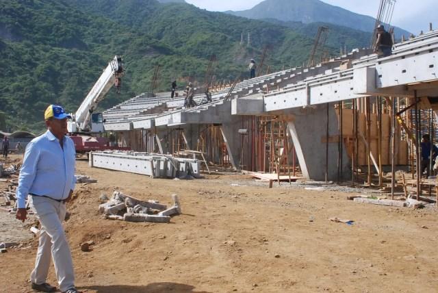 Construcción del estadio de pelota de Vargas // Foto Gobernación de Vargas