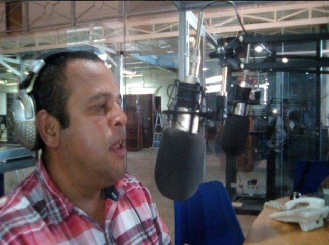 El periodista Félix Amaya (Foto: @CursoIberis)