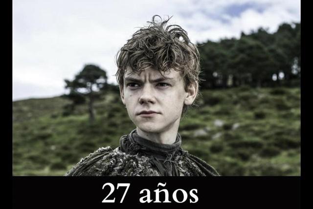 Jojen Reed: Este personaje es interpretado por el actor Thomas Brodie-Sangster. En los libros, Jojen tiene 12 años y en la serie 14. Pero en realidad, Thomas tiene ¡27 años!