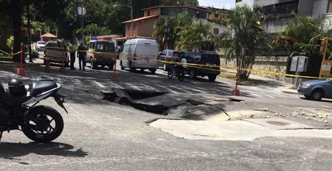 Mega hueco impide acceso a La Boyera este 13 de octubre (Foto: Gustavo Piñeiro de Carballo)