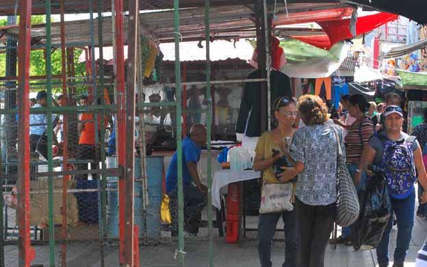 Los vendedores esperan un fin de año con buenas ventas. (Foto: Jesuana Ramos)