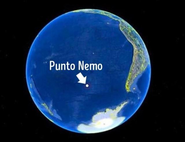Punto Nemo. Está tan lejos de todo que las personas más cercanas a este punto se encuentran en la Estación Espacial Internacional (ISS).
