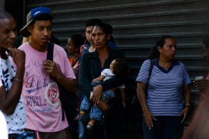 Cada venezolano debe 4.720 dólares por deuda pública