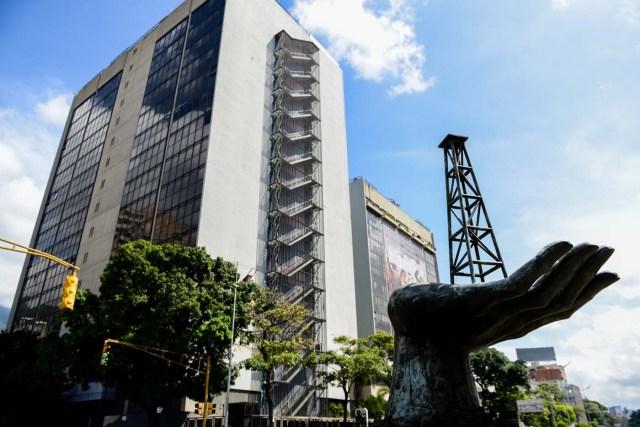La sede de Pdvsa en Caracas (AFP PHOTO / Federico PARRA)