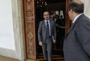 Francia aboga por soluciones pacíficas en Venezuela